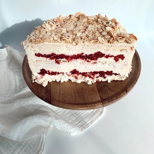 Половинка Миндального торта