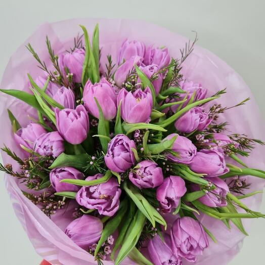 25 нежных пионовидных тюльпанов
