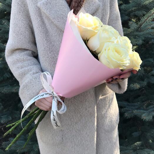 7 Белых роз 60см