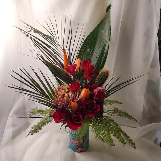 Тропические Цветы в тропической коробке