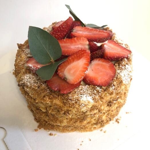 Торт «наполеон» с ягодами