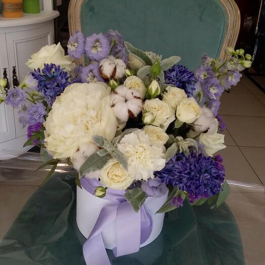 """Цветы в коробке """"Фрина"""""""