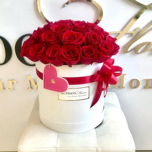 Шляпная коробка на 27 роз