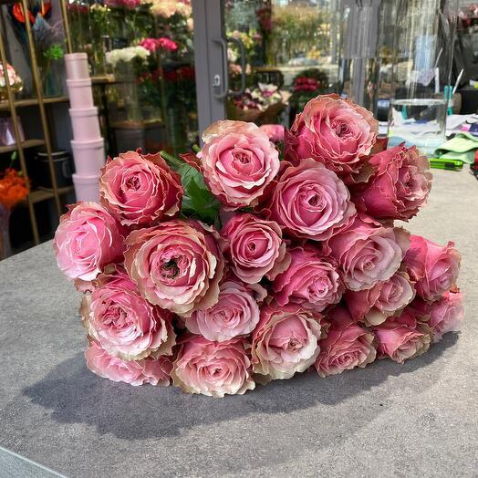 Букет из пионовидных роз 50см