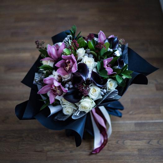 Букет с каллами и орхидеей