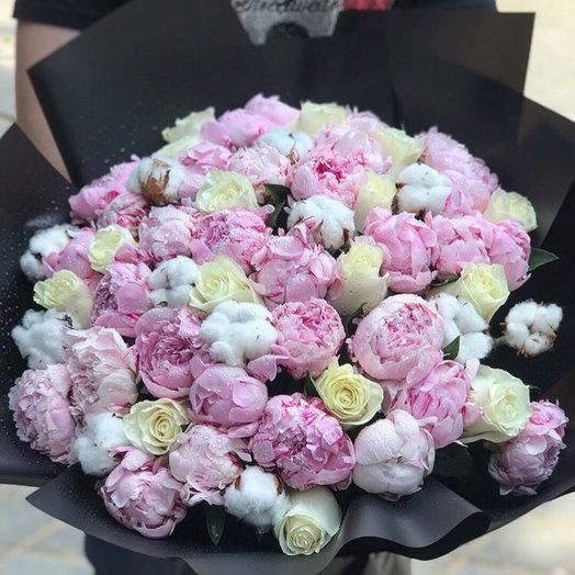 Букет с пионами и розами : букеты цветов на заказ Flowwow