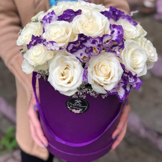 Коробка с розой и эустомой: букеты цветов на заказ Flowwow