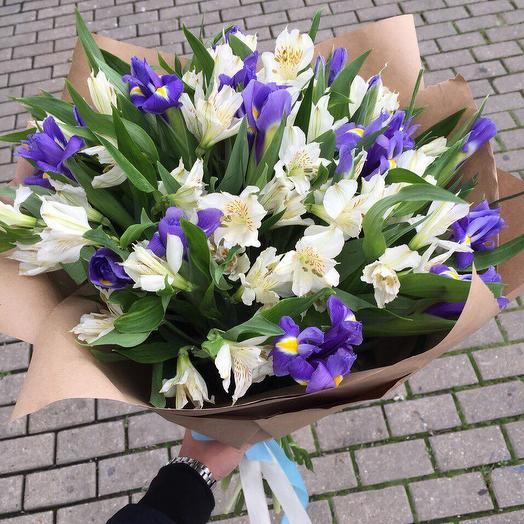 Букет из альстромерий с ирисами: букеты цветов на заказ Flowwow