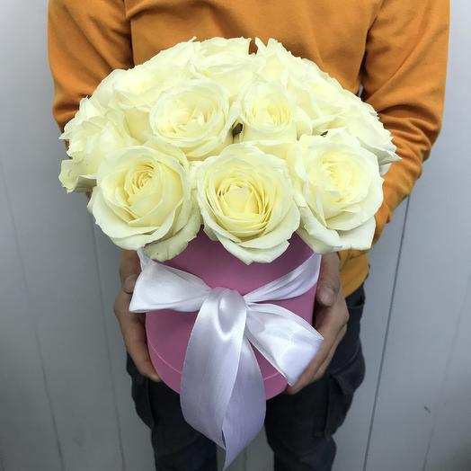 19 белых роз в шляпной коробочке: букеты цветов на заказ Flowwow