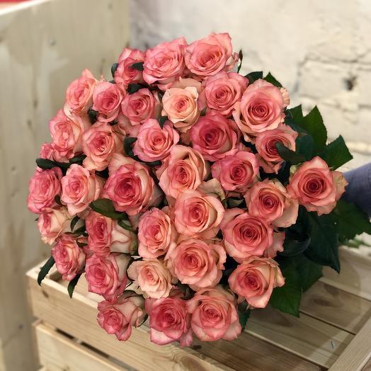 Букет из розовых роз Джумилия: букеты цветов на заказ Flowwow