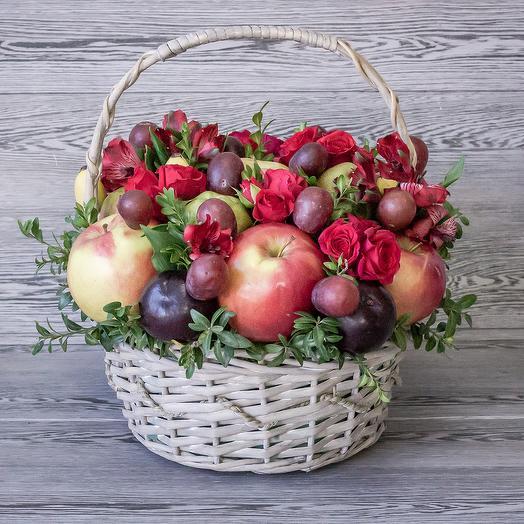 Фруктовая корзинка: букеты цветов на заказ Flowwow