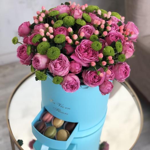 Пионовидный бокс с макарунс: букеты цветов на заказ Flowwow