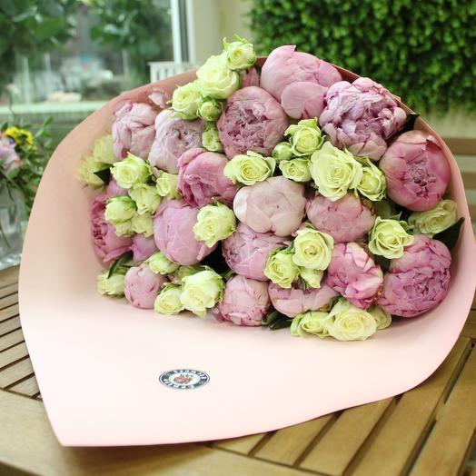 Нежный букет с пионами. Premium. Craft: букеты цветов на заказ Flowwow