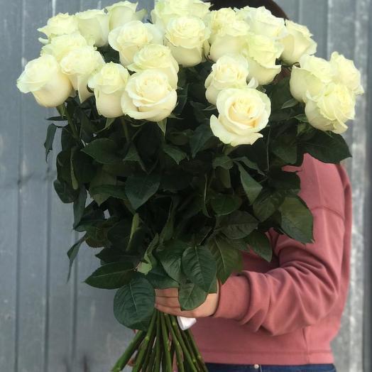 """Белые розы """"Надежда"""": букеты цветов на заказ Flowwow"""