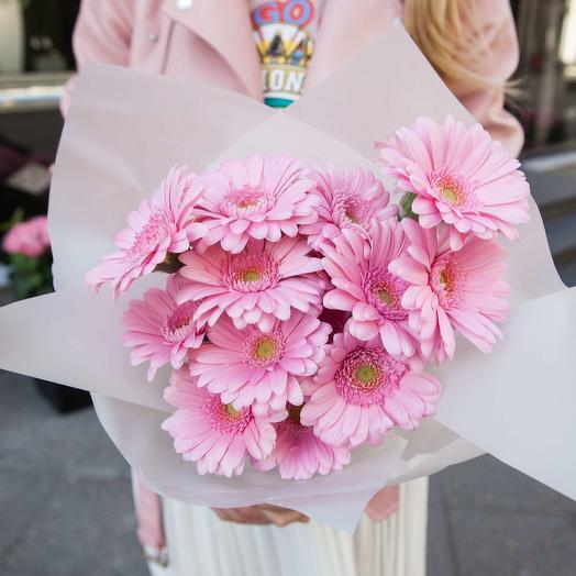 Розовые герберы в упаковке: букеты цветов на заказ Flowwow