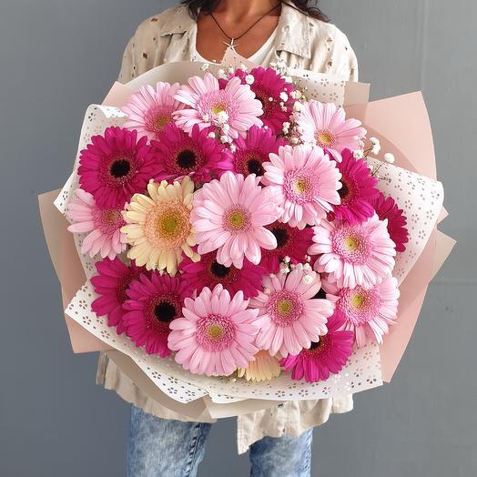 """Букет из гербер и гипсофилы """"Восхищение"""": букеты цветов на заказ Flowwow"""