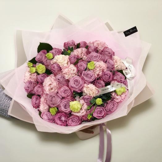 Розы с эустомой: букеты цветов на заказ Flowwow