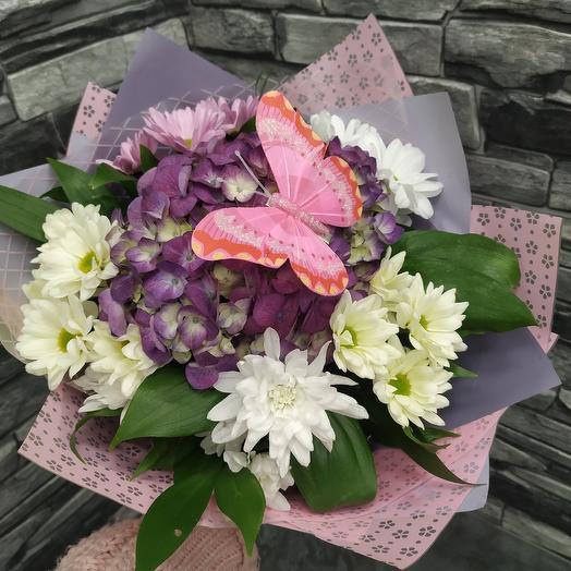 Нежный букет-комплимент с гортензией: букеты цветов на заказ Flowwow