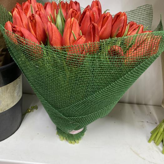 Тюльпаны красные: букеты цветов на заказ Flowwow