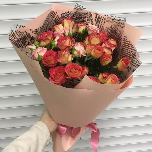 Букет «Кустовая роза»: букеты цветов на заказ Flowwow