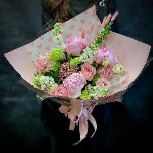 Букет с нежными пионами «История любви»: букеты цветов на заказ Flowwow