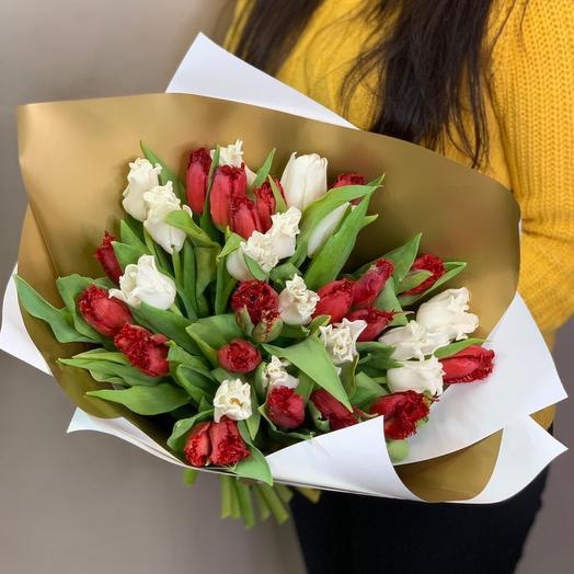 Букет из 35 Махровых Тюльпанов в упаковке