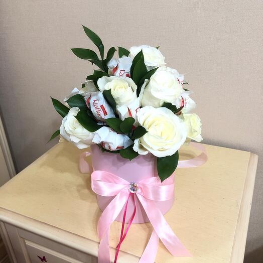 Цветы в коробке с Раффаэло