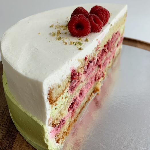 "Half of the ""Pistachio"" cake»"