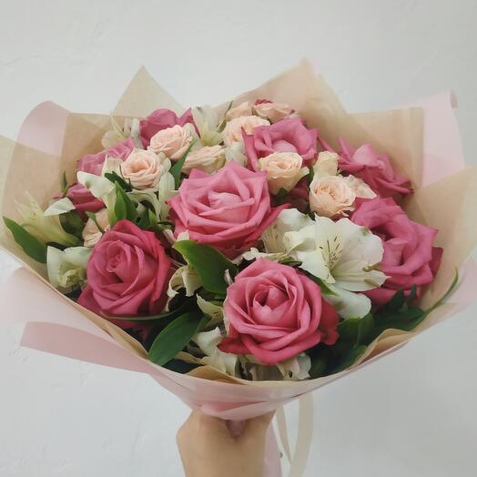 Розы и Альстрамерии