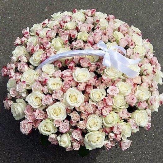 151 роза в корзине