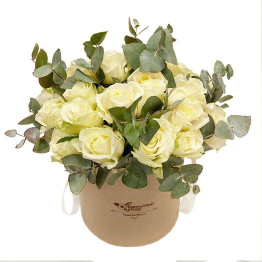 25 Белых роз в шляпной коробке Лунная соната: букеты цветов на заказ Flowwow