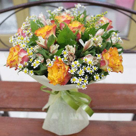 Очаровательный букет с ромашками: букеты цветов на заказ Flowwow