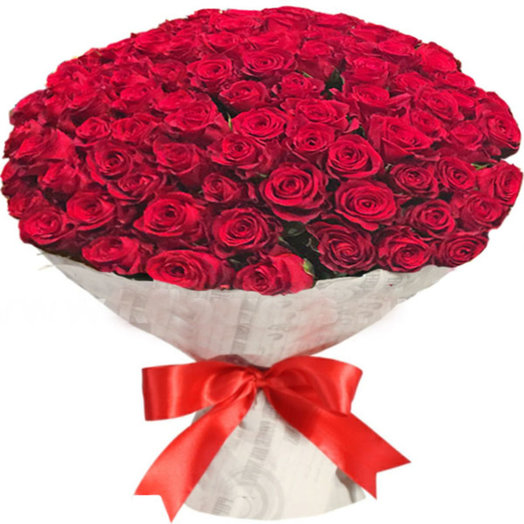 Букет из 101 красной розы в крафте: букеты цветов на заказ Flowwow