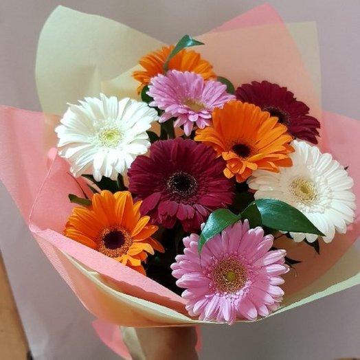 Гербера в рускусе: букеты цветов на заказ Flowwow