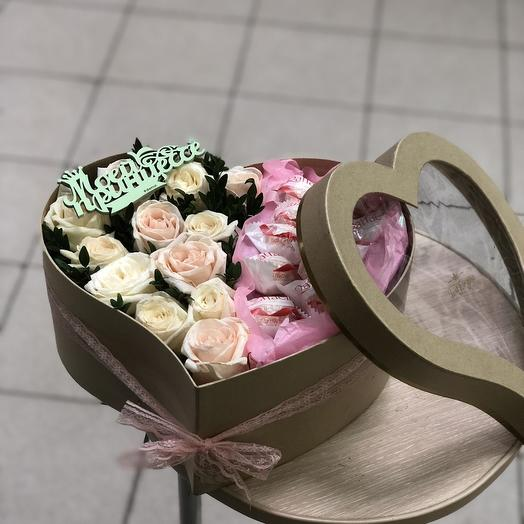 Коробка сердце с розой Эквадор: букеты цветов на заказ Flowwow