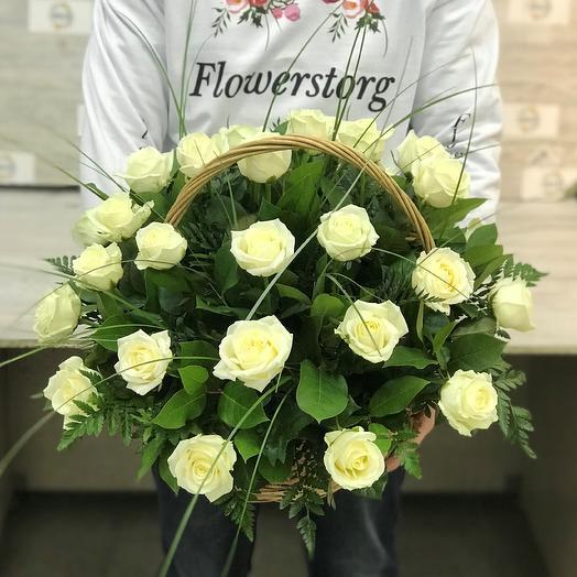 Корзины с цветами. Розы. 29 роз. N77: букеты цветов на заказ Flowwow