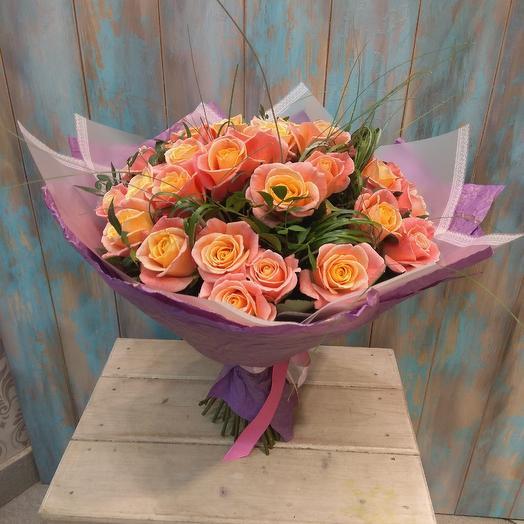 Букет из коралловой розы с Берграссом: букеты цветов на заказ Flowwow