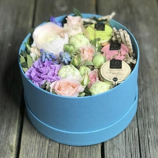 Цветочная Коробочка с мёдом-суфле: букеты цветов на заказ Flowwow