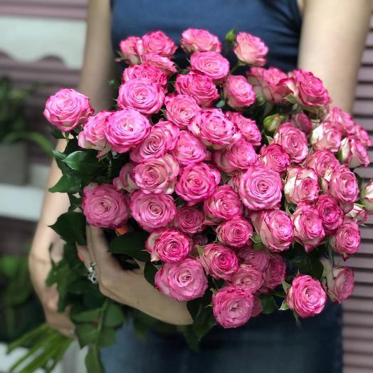 Букет из 11 розовых кустовых роз 50 см: букеты цветов на заказ Flowwow