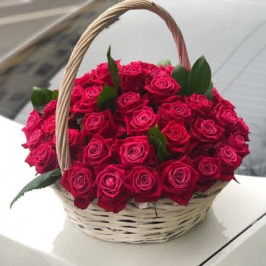 51 roses in a basket: flowers to order Flowwow