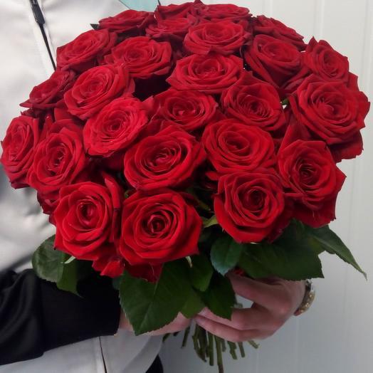 25 красных роз 50 см в букете