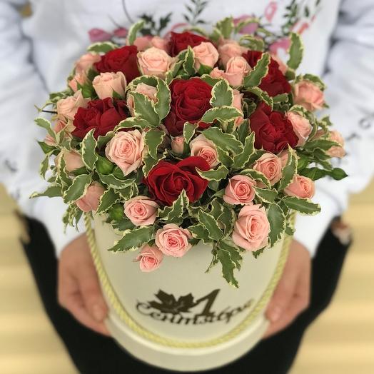 1 сентября.Коробки с цветами. Кустовая роза. N562: букеты цветов на заказ Flowwow