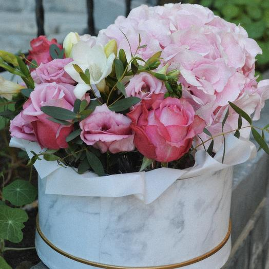 Букет в мраморной коробке: букеты цветов на заказ Flowwow