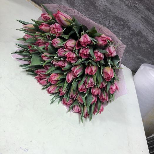 Пионовидные тюльпаны 51 шт с дизайнерской упаковкой: букеты цветов на заказ Flowwow