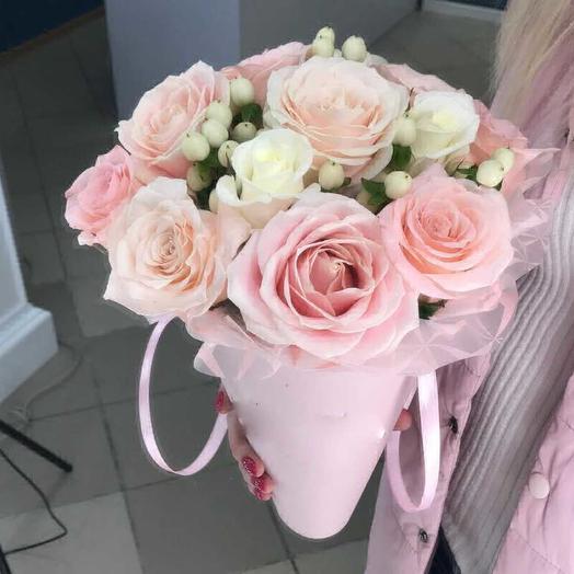 Розы и ягоды: букеты цветов на заказ Flowwow