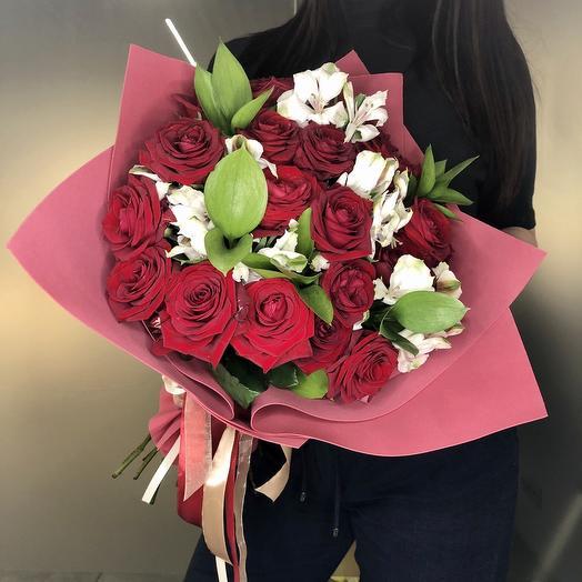 Red Naomi: букеты цветов на заказ Flowwow