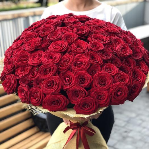 Букет из 101 красной розы: букеты цветов на заказ Flowwow