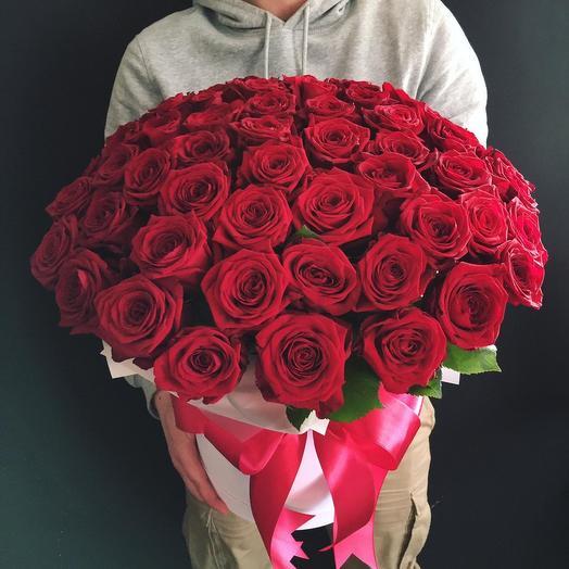 51 бордовая Роза: букеты цветов на заказ Flowwow