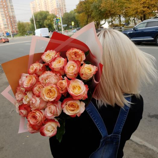 25 роз Кабарет в оформлении
