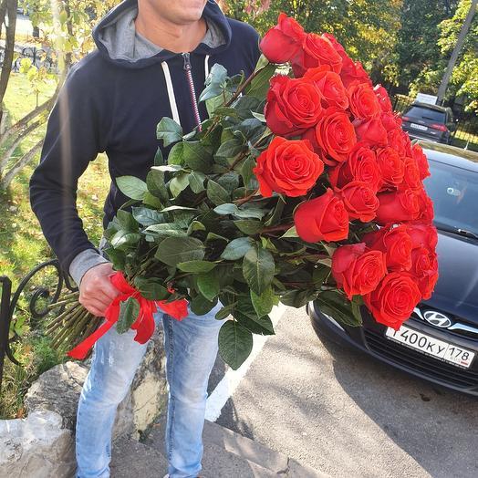Букет из 35 алых роз